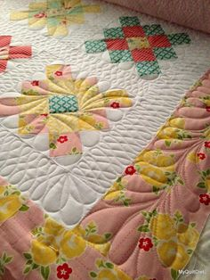 Longarm Quilting, Free Motion Quilting, Machine Quilting, Quilting Ideas, Triangles, Patches, Arms, Blanket, Sewing