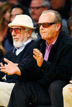 Jack Nicholson watches the Lakers