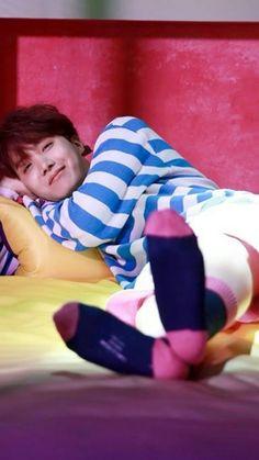 Read from the story 『Hoseok Is The Type』 by xoxheok (속국) with reads. Hoseok es el tipo de chico que al despertar a tu lado comenza.