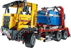 Met deze LEGO Technic-set bouw je twee stoere modellen. Een Containertruck van 16 x 36 x 13 x cm en een wegenbouwmachine van 19 x 48 x 20 cm. Net als elk LEGO Technic-model zijn deze voertuigen ook geavanceerde en realistische objecten.De leukste LEGO bestel je online bij https://www.olgo.nl/lego/technic.html