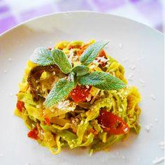 Paglia e fieno ai pomodori secchi e funghi #italianfood #food