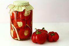Gogoșari cu conopidă în oțet, rețetă pentru iarnă Vegetables, Recipes, Food, Canning, Kuchen, Essen, Vegetable Recipes, Meals, Eten