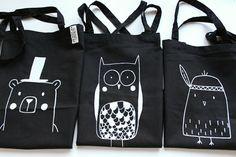 Studio Lijnloves katoenen shoppers zwart met handgedrukte zeefdruk print