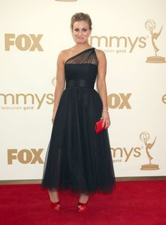 Kaley Cuoco - The 63rd Primetime Emmy Awards 2011 - Arrivals 2
