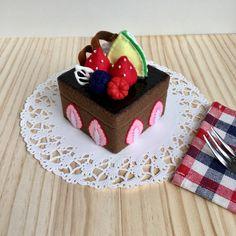 チョコレートケーキの小物入れ | ハンドメイドマーケット minne