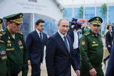 Путин открыл форум «Армия-2015»