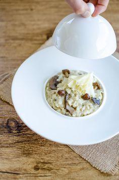 Risotto à la tête de moine et huile de truffe / Tête de moine risotto with truffle oil // Voyage Gourmand