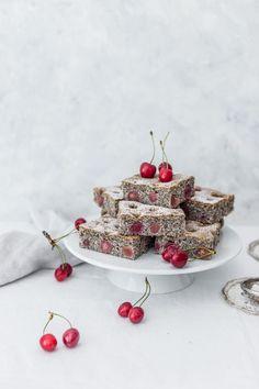 ... poppy seed & cherry cake ...