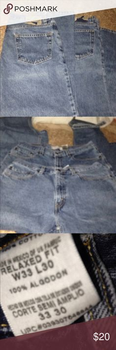 Bundle Men's Levi's Size 33x30 Both pairs are in good used condition. Signature by Levi Strauss Jeans