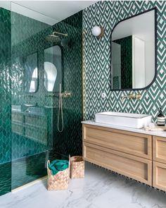 Chevron Bathroom, Loft Bathroom, Shower Ideas Bathroom, Small Bathroom Ideas, Bathroom Green, Latest Bathroom Tiles, Tiles For Bathrooms, Modern Bathroom Tile, Small Bathrooms