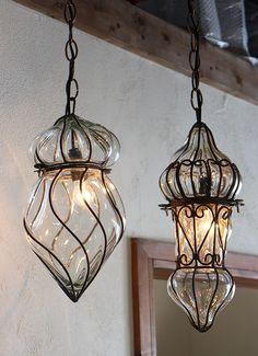 エジプシャン・ガラスとアイアンのペンダントライト・/地中海スタイルのモロッコランプ・Mサイズ クリア E17/25W白熱球付