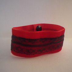 Rentrée scolaire - bracelet manchette en velours rouge avec dentelle marron…