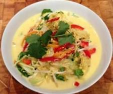 Recipe Chicken Laksa by guest, learn to make this recipe easily in your kitchen machine and discover other Thermomix recipes in Main dishes - meat. Easy Chicken Recipes, Meat Recipes, Vegetarian Recipes, Cooking Recipes, Recipe Chicken, Dinner Recipes, Cantaloupe Recipes, Radish Recipes, Recipes