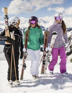 Die richtige Kleidung zum Skifahren 10 besten Outfits