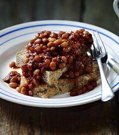 Tom Kerrdige Soda Bread (and baked beans) Beans on toast is a British staple, but you can very easily make it something special. Don& be put off by the long cooking time - it& just a few minutes of effort and the rest of the time it takes care of itself. Baked Beans On Toast, Cooking Time, Cooking Recipes, Good Food, Yummy Food, Healthy Food, Delicious Meals, Healthy Eating, Healthy Recipes
