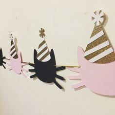 Ideas for birthday diy photo booth etsy Cat Birthday, 3rd Birthday Parties, Fete Emma, Cat Themed Parties, Kitten Party, Animal Party, First Birthdays, Party Time, Party Hats