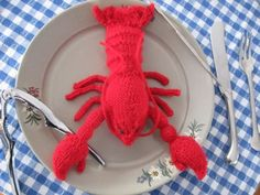 Meet François. François, as you may have gathered, is a lobster. I hadn't seen any patterns for a toy lobster on the internet, so, while procrastinating on studying for my Tibetan Buddhism fi…