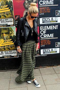 Jolie.de-Userin Anna beschert uns diesen rockigen Street-Style mit Maxirock und Lederjacke. Noch mehr Outfits von Anna findet ihr auf ihrem Blog hiimannaandimanaddict.blogspot.com