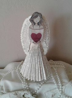 Hey, I found this really awesome Etsy listing at https://www.etsy.com/listing/542399956/custom-order-for-elaine-book-sculpture