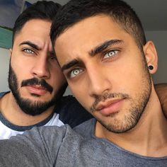 These photos of extraordinary people with remarkable features will have you redefining your definition of physical beauty. Most Beautiful Eyes, Stunning Eyes, Stunningly Beautiful, Beautiful Men, Beautiful People, Amazing Eyes, Perfect People, Rare Eye Colors, Rare Eyes