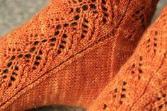 Boot Cuffs, Knit Crochet, Knitting Patterns, Socks, Diy, Clothes, Knitting Socks, Outfits, Knit Patterns