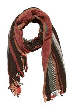 Giftable scarf. @nordstromrack #nordstromrack