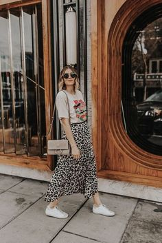 Mixing a band tee, leopard skirt, and Golden Goose sneakers is a perfect maternity look for now, and a great mom outfit later after the new baby arrives. Band Shirt Outfits, Mom Outfits, Modest Outfits, Skirt Outfits, Modest Clothing, Dress Skirt, Band Shirts, Look Fashion, Spring Fashion