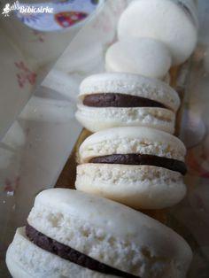 Macaron Flavors, Macaron Recipe, Meringue, Cheesecake Pops, Vanilla Macarons, Keto Recipes, Dessert Recipes, Macaroons, Healthy Desserts
