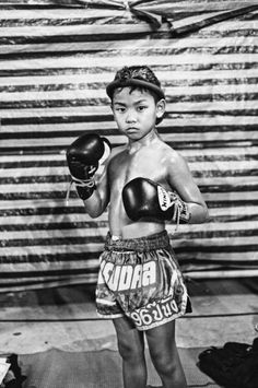 Muay Thai Kid > Karate Kid… – Short-term Loans Made Easy Muay Thai Gym, Muay Thai Kicks, Short Boxe, Muay Thai Martial Arts, Muay Boran, Muay Thai Training, Fight Night, Combat Sport, Stripling Warriors