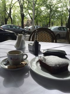beautiful spring morning in Bucharest with Nautilus Mini, Vtc Mini and a nice brownie