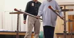Ocho ideas prácticas de regalos para adultos mayores . Los adultos mayores a menudo se enfrentan a más dificultades en sus rutinas diarias que la mayoría de la gente debido a las limitaciones físicas y mentales que a veces acompañan al proceso de envejecimiento. Ellos también tienen un mayor riesgo de alienación debido a la gama de tecnología disponible en constante evolución utilizada por las ...