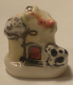 Staffordshire Cat & Dog Cottage #84 by Rachel Williams - $16.00 : Swan House Miniatures, Artisan Miniatures for Dollhouses and Roomboxes