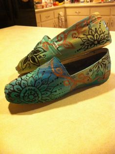 Hand painted toms. Check out more designs and how to order on my facebook page: http://www.facebook.com/pages/Emily-Johnson-ej-designs/112898375488144?sk=wall&filter=1#!/pages/Emily-Johnson-ej-designs/112898375488144