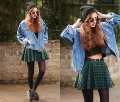 Chic Wish Green Plaid Skirt, Thrifted Denim Jacket, Creepers Fashion 101, Grunge Fashion, 80s Fashion, Unique Fashion, Green Plaid Skirt, Plaid Skirts, Casual Skirts, Bar Outfits, Casual Outfits