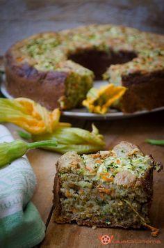 Ciambella 7 vasetti salata con zucchine e carote è un rustico sfizioso, soffice e colorato, e il suo sapore conquisterà proprio tutti.