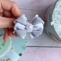 Diy ribbon flower with beads grosgrain flowers with beads Ribbon Art, Ribbon Hair Bows, Diy Hair Bows, Diy Ribbon, Ribbon Crafts, Flower Crafts, Flower Diy, Wired Ribbon, Band Kunst