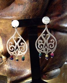 Aros plata hechos a mano y piedras semipreciosas                                                                                                                                                      Más Heart Jewelry, Jewelry Art, Jewelry Design, Handmade Accessories, Bag Accessories, Handmade Jewelry, Copper Jewelry, Stone Jewelry, Face Earrings