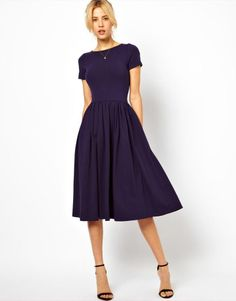 beautiful simple navy dress. Great layering piece for fall.