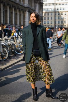 Julie Pelipas by STYLEDUMONDE Street Style Fashion Photography 48A6483  Olive Green Outfit 6a7db8c7d9a
