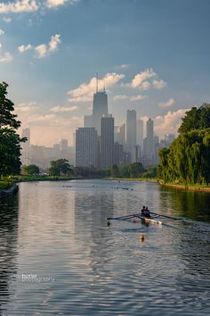 Lagoon with the Chicago skyline in the background. Photo by Barry Butler Sept 2018 Chicago Usa, Chicago Photos, Chicago City, Chicago Skyline, Chicago Illinois, New York Skyline, Lincoln Park Chicago, Chicago Vacation, Chicago Photography