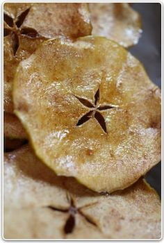 Homemade Apple Chips - need to attempt these again now that i have a mandolin