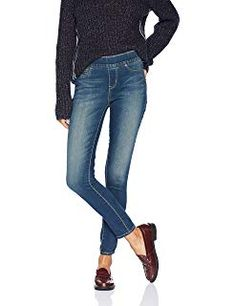 Signature by Levi Strauss & Co. Gold Label Women's Totally Shaping Pull-on Skinny Jeans Signature by Levi Strauss & C. Jeans Denim, Jeans Skinny, Skinny Fit, Super Skinny, Ripped Jeans, Look Fashion, Autumn Fashion, Womens Fashion, Fashion Trends