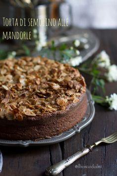 il bosco di alici: Torta di semolino alle mandorle