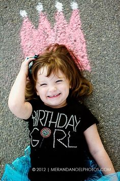 Adorable way to celebrate a birthday Cute Birthday Pictures, Funny Baby Pictures, Birthday Photos, Hello Kitty Birthday, Baby Girl Birthday, Love Photography, Children Photography, Kids Birthday Photography, Baby Girl Quotes
