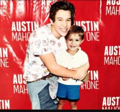 I literly want to cry !!!!!!! #litle austin #grown austin❤❤