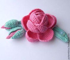 Вяжем красивую розу с <u>ютуб мастер класс по ирландскому кружеву</u> веточкой. Мастер-классы