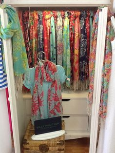 love these scarves soooo much. maybe one day my collection will be this big :) #lillypulitzer