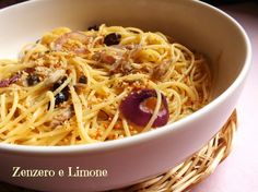 SPAGHETTI alla CIPOLLA, SGOMBRO E OLIVE | speghetti with mackerel and olives | Calling all conscious foodies @ foodiehaven.com