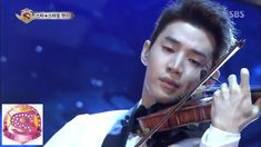 Henry playing Smooth Criminal on violin... geez Henry, why so pro?! 헨리, 새로운 모습 공개 @놀라운 대회 스타킹 140329