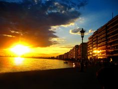 End of day at Thessaloniki. source: Greece in photos Macedonia Greece, Cultural Capital, End Of Days, Thessaloniki, Greece Travel, Crete, Planet Earth, Sunrise, Beautiful Places